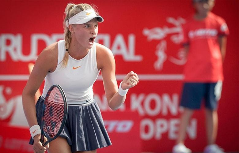 Наша 18-летняя одесситка Даяна Ястремская сенсационно выиграла первый в карьере турнир WTA!