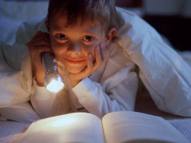 Благотворительная акция «Книжка под подушку» — одесская библиотека собирает ко Дню святого Николая книги для детей из интернатов