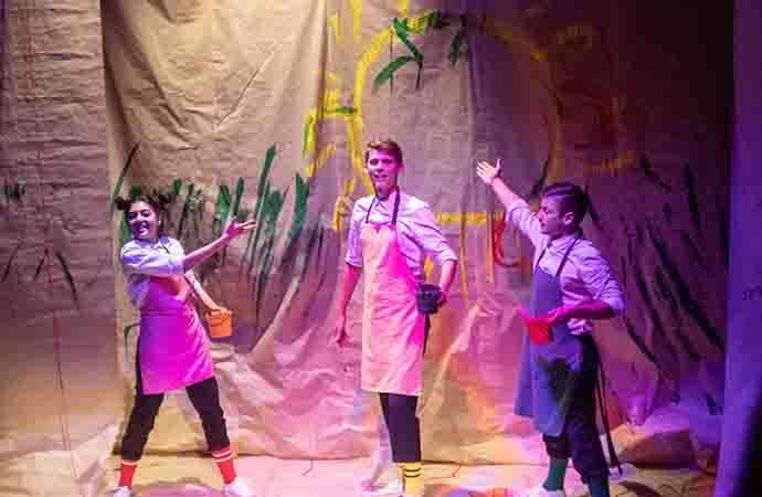 Спектакль для всей семьи «Муха Цокотуха» в подземном театре ТЕО