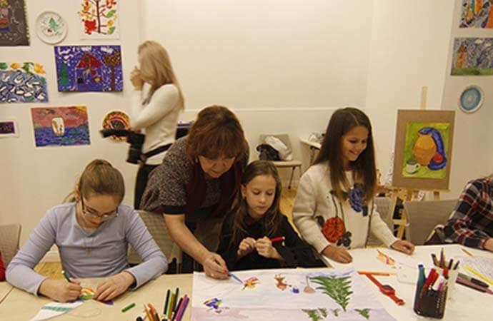 Дети Одессы рисуют сказки Пушкина